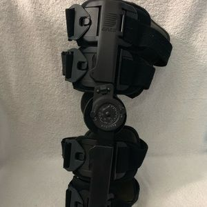 Breg post op knee brace size L-XL